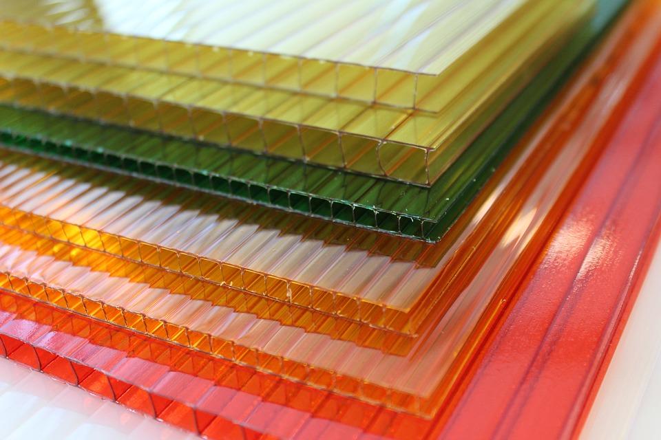 materiál polykarbonát